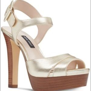 Nine West ibyn platform sandal